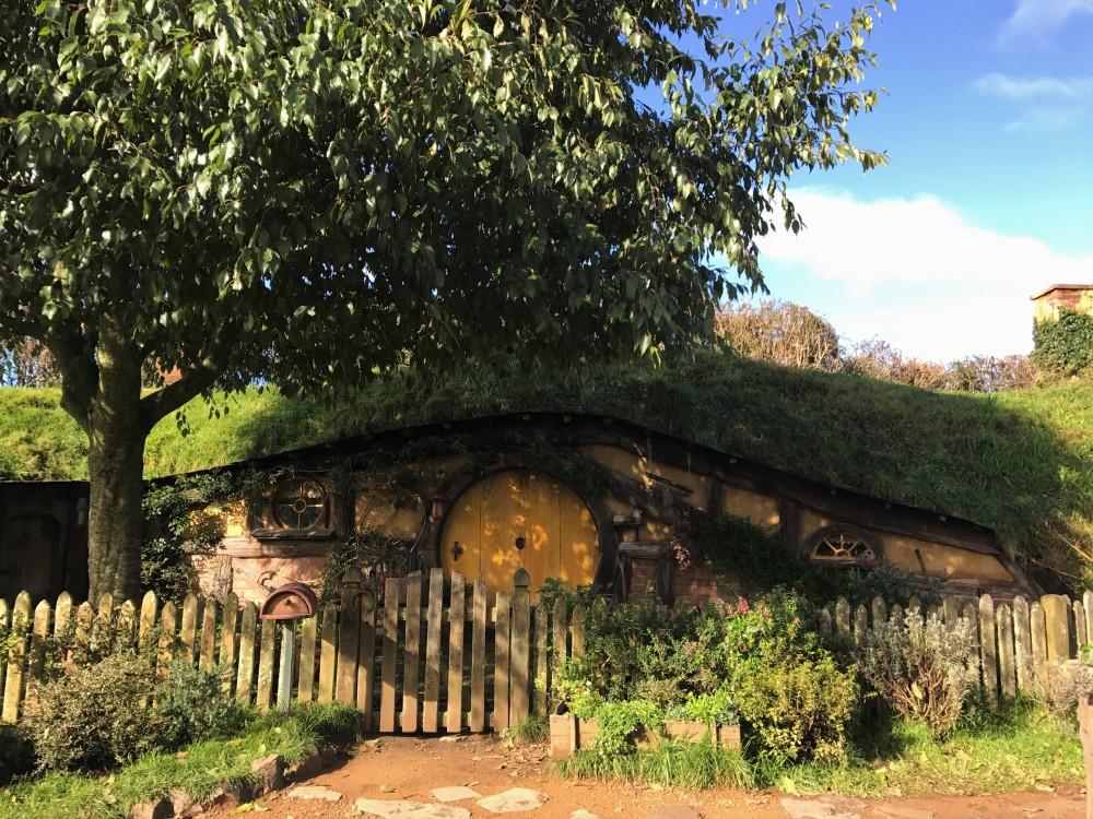 Hobbits; Hobbit Hole; New Zealand; Hobbiton; Hobbiton Movie Set;